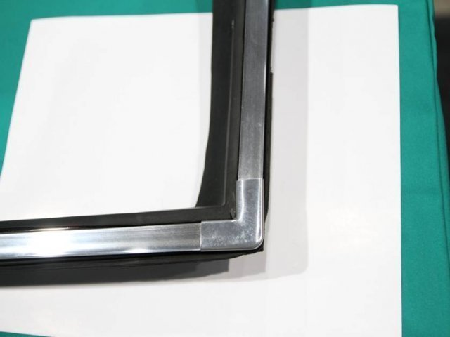 Locking Strip Kit with Corners 1967 A Body 2 dr.H.T.Front Glass only